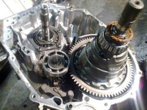 Фото ремонта МКПП Renault