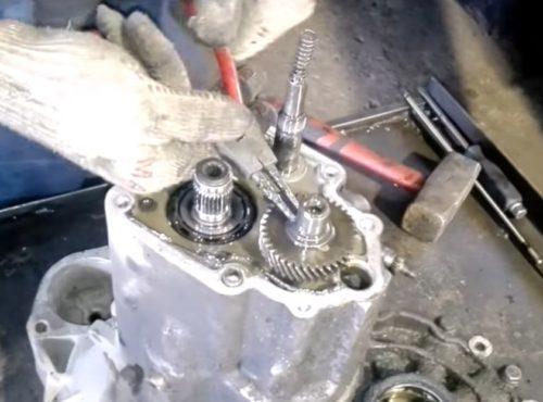 Фото ремонта МКПП Opel Zafira