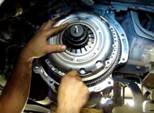Фото замены сцепления Toyota Yaris
