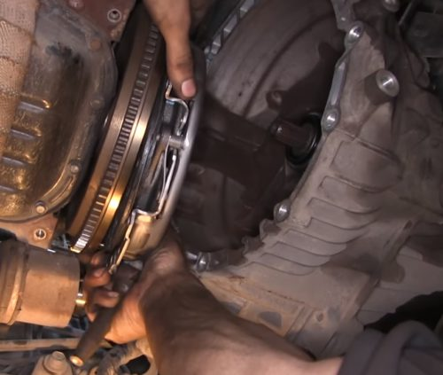 Фото замены сцепления Chevrolet Cruze