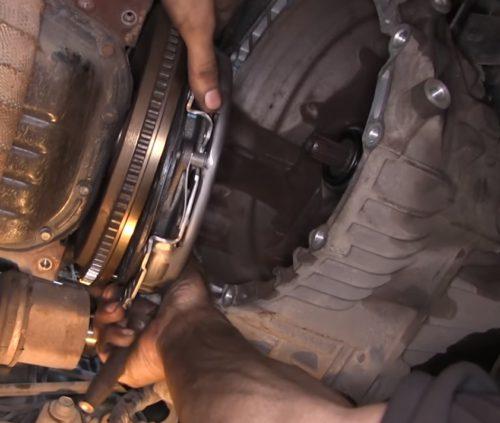 Фото замены сцепления Nissan Quashkai